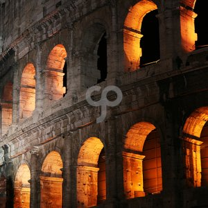 retina2020-arches of the rome colosseum at night-25